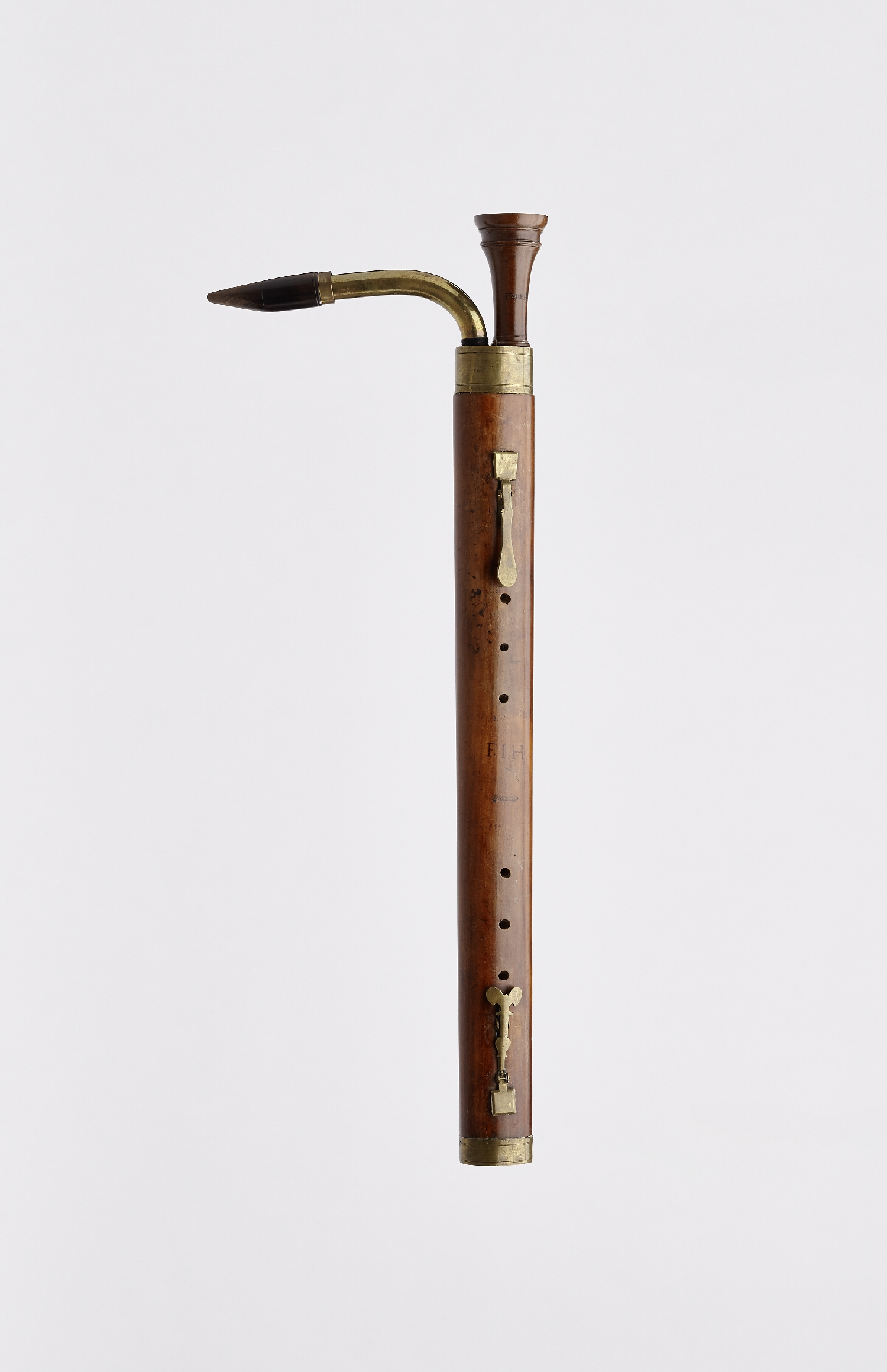 Bass shawm, W. Kress, ca. 1700, wood (pear wood?), brass, inv. no. MI 1253
